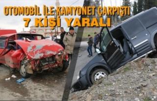 Otomobil İle Kamyonet Çarpıştı: 7 Kişi Yaralı