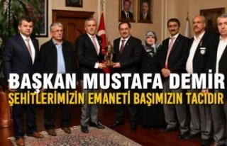 """Başkan Demir: """"Şehitlerimizin Emaneti Başımızın..."""