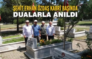 Şehit Erhan Özdaş Kabri Başında Dualarla Anıldı
