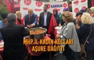MHP İl Kadın Kolları Aşure Dağıttı