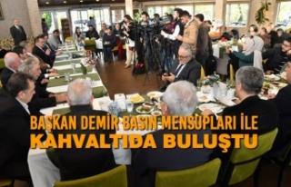 Başkan Demir Basın Mensupları İle Kahvaltıda...