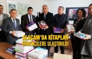 Alaçam'da Kitaplar Öğrencilere Ulaştırıldı