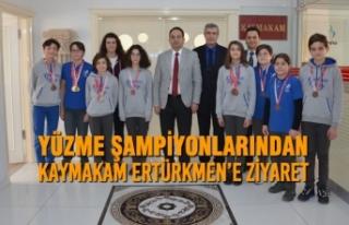 Yüzme Şampiyonlarından Kaymakam Ertürkmen'e...