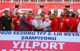 Yılport Samsunspor Şampiyonluk Kupasını Aldı
