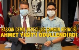 Başkan Cemil Deveci LGS Samsun Birincisi Ahmet Yiğit'i...
