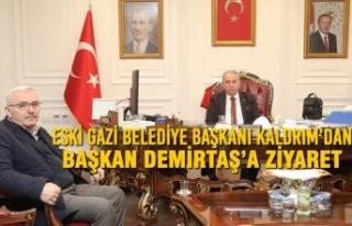 Eski Gazi Belediye Başkanı Kaldrım'dan Başkan...