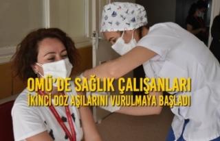 OMÜ'de Sağlık Çalışanları İkinci Doz Aşılarını...