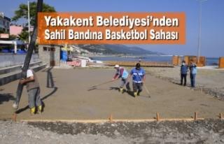 Yakakent Belediyesi'nden Sahil Bandına Basketbol...