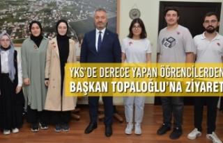 YKS'de Derece Yapan Öğrencilerden Başkan Topaloğlu'na...