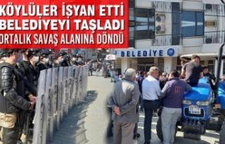 Köylüler İsyan Etti: Belediyeyi Taşladı Ortalık...