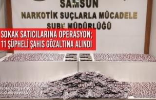 Samsun'da Sokak Satıcılarına Operasyon; 11 Şüpheli...