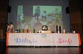 'Bilimin Uçan Sirki' Gösterisi