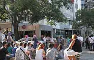 Dhkp-c Gözaltılarına Emniyet Önünde Protesto