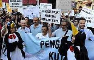 Gazetecilerin Yürüyüşü Polis Engeline Takıldı...