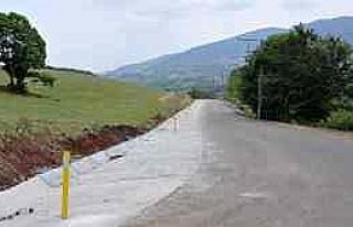 Gölcük'te Köy Yolları Asfaltlanıyor