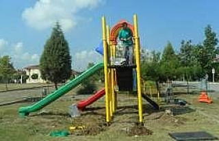 Kartepe'de Parklar Yenileniyor