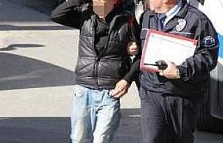 Laf Atma Tartışmasında Bir Kişi Bıçaklandı