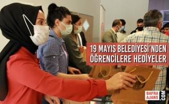 19 Mayıs Belediyesi'nden Oryantasyon Eğitiminde Öğrencilere Hediyeler