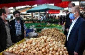 Vali Doç. Dr. Zülkif Dağlı, Bafra Kapalı Pazaryerini Ziyaret Etti