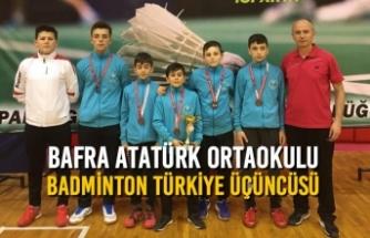 Bafra Atatürk Ortaokulu Badminton Türkiye Üçüncüsü