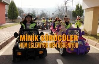 Minik Sürücüler Hem Eğleniyor Hem Öğreniyor