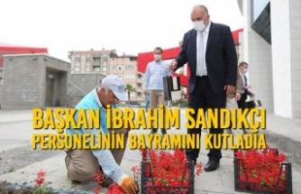 Canik Belediye Başkanı İbrahim Sandıkçı; Personelinin Bayramını Kutladı