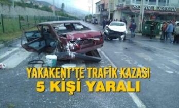 Yakakent'te Trafik Kazası; 5 Yaralı