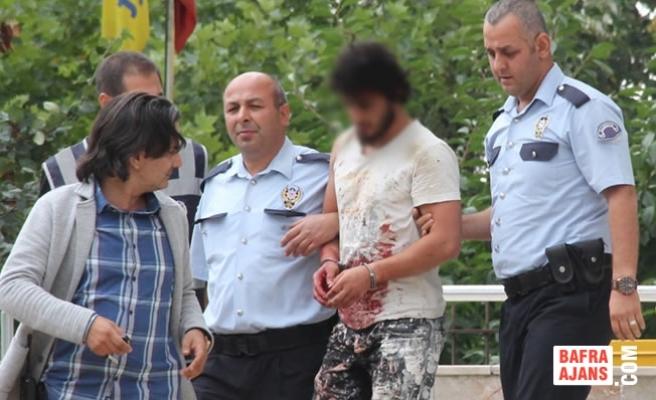 Havza'da Bıçaklı Saldırı: 1 Kişi Ağır Yaralı