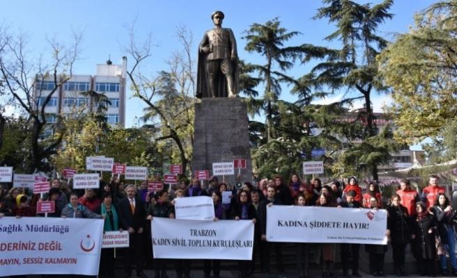 Trabzon'da kadınlar erkeklerin desteği ile şiddete karşı yürüdü