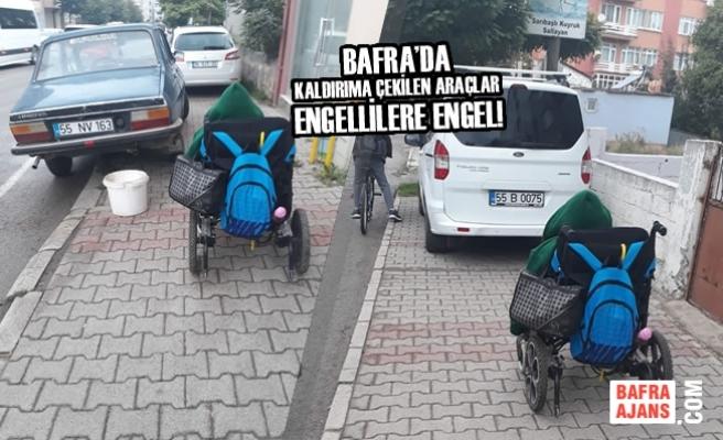 Bafra'da Kaldırıma Çekilen Araçlar Engellilere Engel!