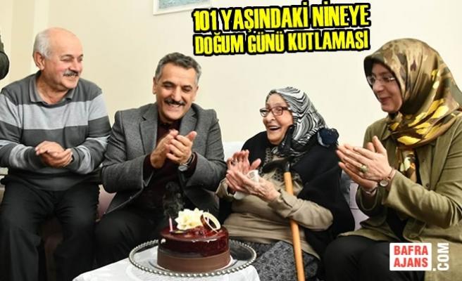 101 Yaşındaki Nineye Doğum Günü Kutlaması