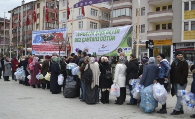 Safranbolu'da bez çanta dağıtımı