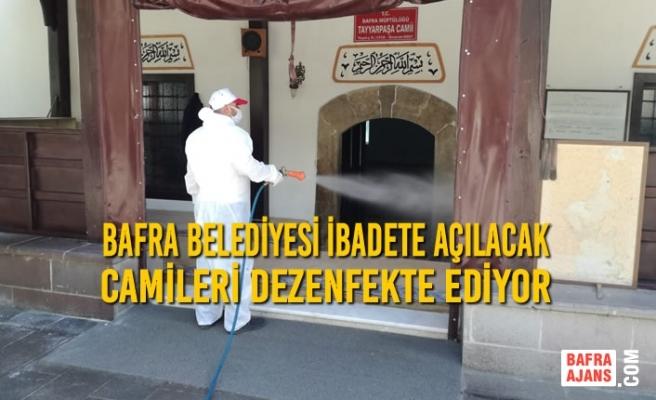 Bafra Belediyesi İbadete Açılacak Camileri Dezenfekte Ediyor