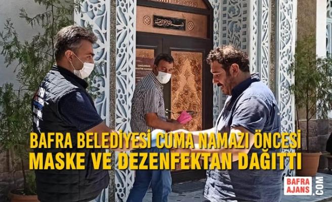 Bafra Belediyesi Cuma Namazı Öncesi Maske Ve Dezenfektan Dağıttı