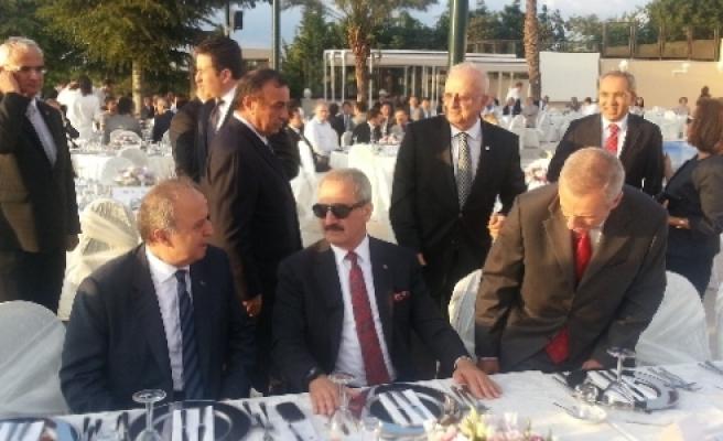 Bakan Çağlayan, İstanbul İhracatçılar Birliği Ödül Töreni Ve İftarına Katıldı
