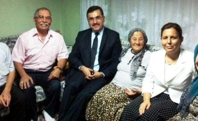 Balıkesir Valisi Ramazanda Vatandaşları Evlerinde Ziyaret Etti