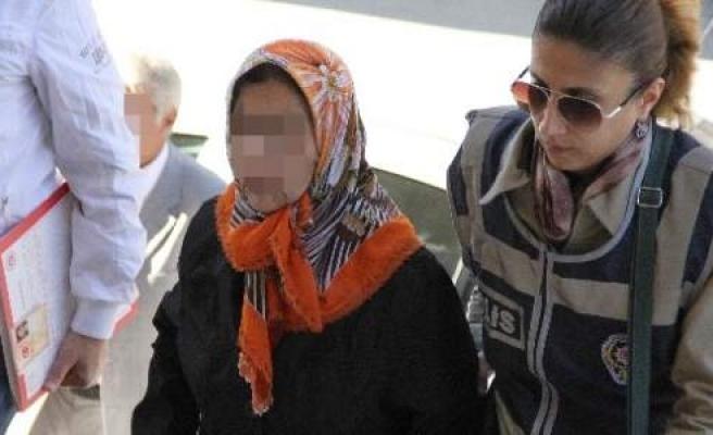 Evinde Fuhuş Yaptıran Yaşlı Kadın Gözaltına Alındı