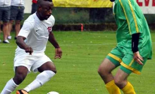 Gaziantepspor Hazırlık Maçında Rakibini 15-0 Mağlup Etti