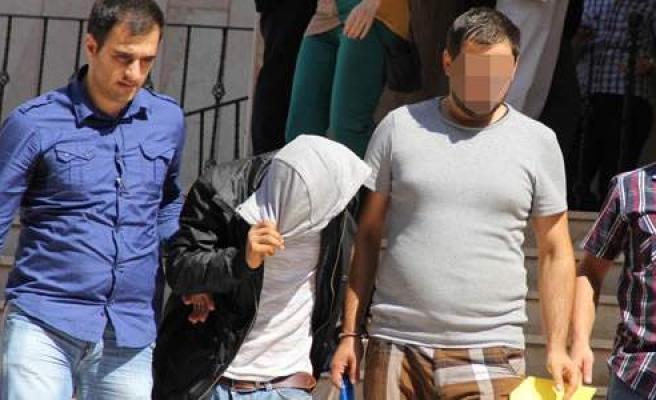 Halden Meyve Ve Sebze Çalan 2 Kişi Tutuklandı
