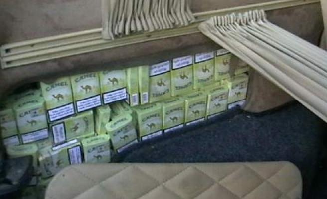 Kamyonetin Zulasından 3 Bin 900 Paket Kaçak Sigara Çıktı