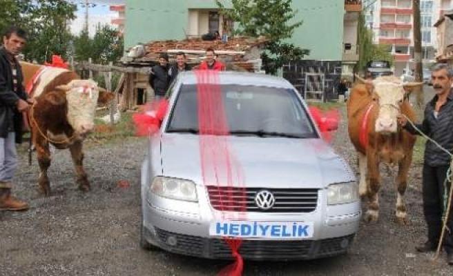 Otomobil Hediyeli Kurbanlıklar Tek Tek Satıldı