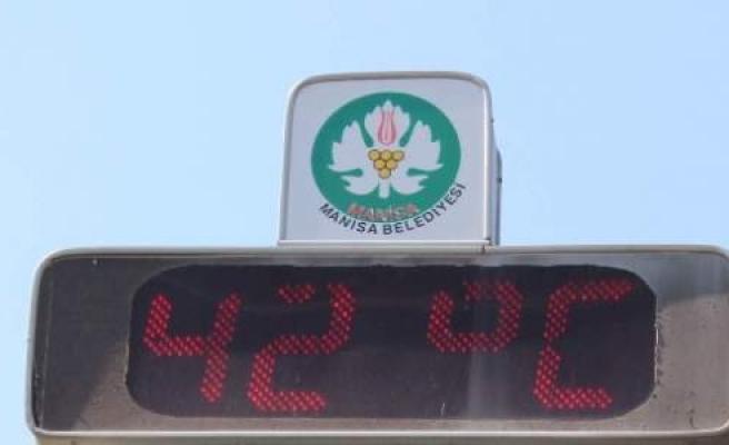 (özel Haber) Manisa'da Termometreler 42 Dereceyi Gösterdi