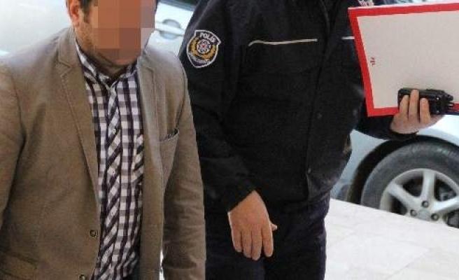 Ruhsatsız Tabancaya Gözaltı