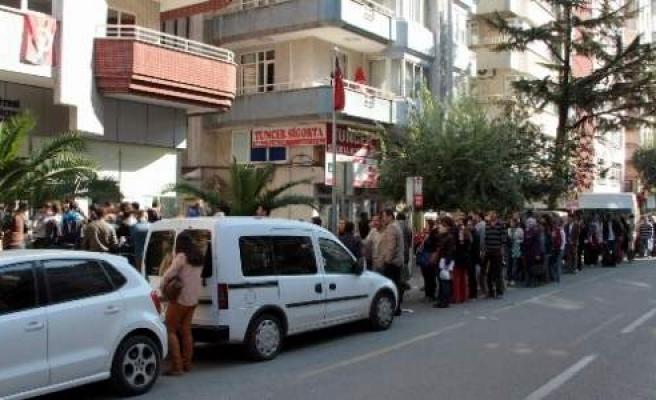 Samsun'da Aöf Kayıt Kuyruğu