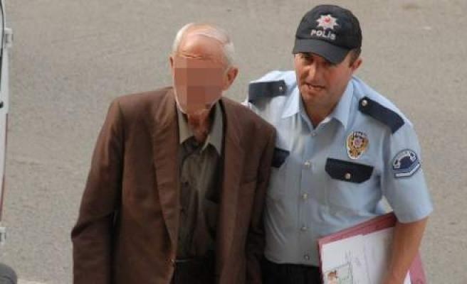 Taciz Suçundan Tutuklanan 72'lik Dede Tahliye Oldu
