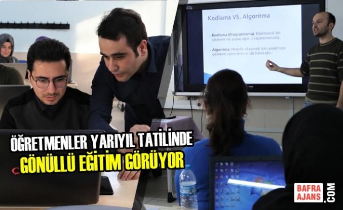 Öğretmenler Yarıyıl Tatilinde Gönüllü Eğitim Görüyor