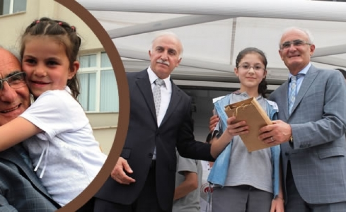 Başkan Yılmaz'dan Başarılı Öğrencilere Tablet